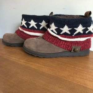 Muk luks Stars and Stripes booties